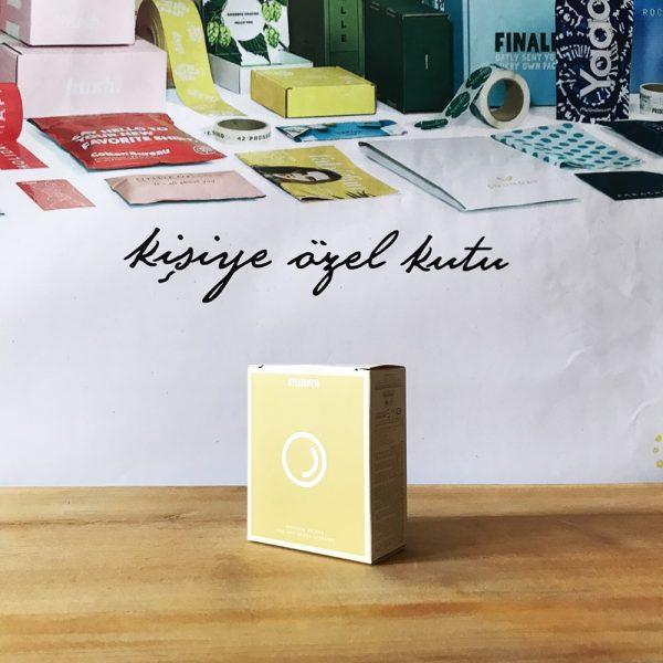 sarı tasarım ürün kutusu