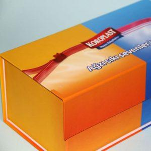 kilitli mıknatıslı mukavva kutu