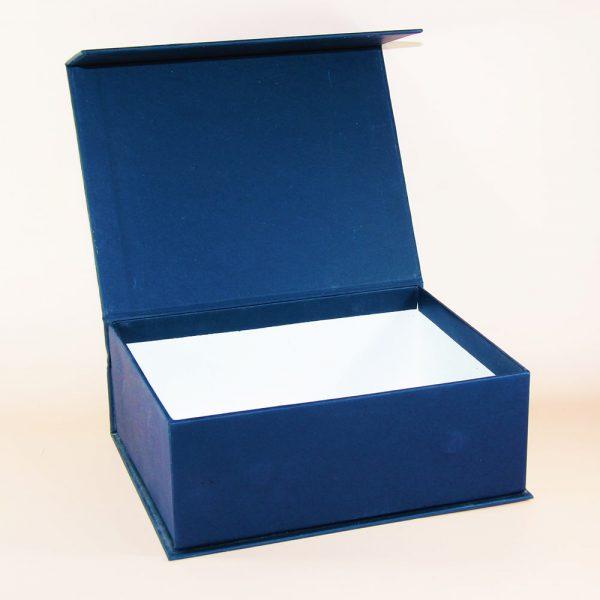 lacivert taslama mıknatıslı kutu tasarımı
