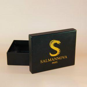 siyah kutu takı ve ürün