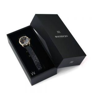 logo baskılı saat kutusu