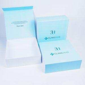 clinichub marka mıknatıslı mukavva kutu